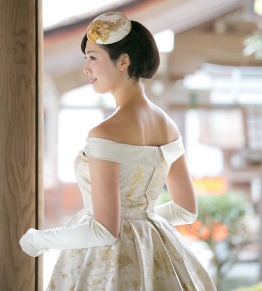 皇后さまのローブデコルテドレスがレンタル出来る式場や店舗は
